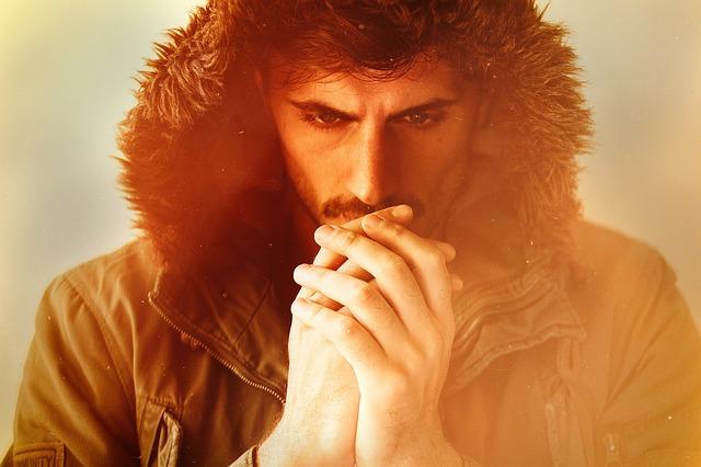 Bepillantás a férfi télikabát divatba - mit preferálnak a férfiak?